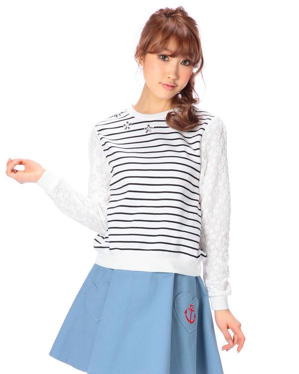 シャツ通販〜LIZ LISAブランドの【Tralala】衿ぐりビジューつき袖レースプルオーバー