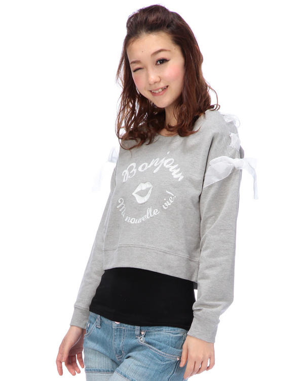 シャツ通販〜LIZ LISAブランドの【Tralala】ロゴ刺繍入り肩レースアッププルオーバー
