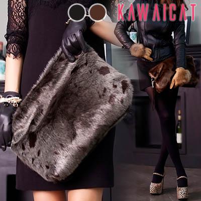 ハンドバッグ通販〜KawaiCatブランドの【ba10332】 高級感のあるフェイクミンクファー素材でユニーク×スタイリッシュ♪ファークラッチバッグ