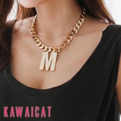 ネックレス通販〜KawaiCatブランドの【ne11031】ボリュームのあるチェーンに大き目の英字チャームが◎♪ストリート感のあるゴールドチェーンネックレス