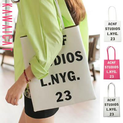 【ba11133】持ち歩きに便利なサイズ感が◎♪フロント英字ロゴプリントデザインのレザートートバッグ