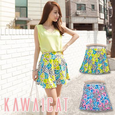 スカート通販〜KawaiCatブランドの【50%OFF】【sk8667】 個性的な花柄デザインでフェミニンな印象を与えてくれるフラワーパターンフレアスカート