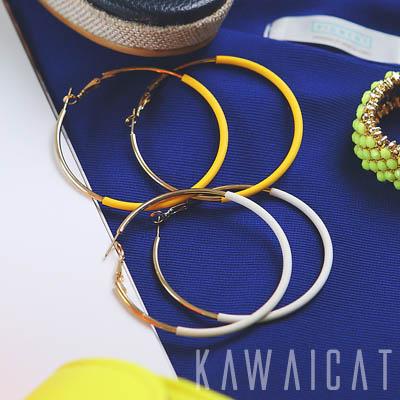 イヤリング通販〜KawaiCatブランドの【50%OFF】【ea8849】ビッグサイズで明るいカラーデザインが特徴的♪クールな配色が素敵なビッグイヤリング