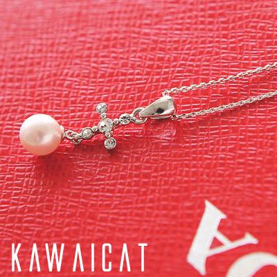 ネックレス通販〜KawaiCatブランドの【50%OFF】【ne8890】 高級感のある印象に仕上がるコアパールデザインのクロスネックレス(核真珠)