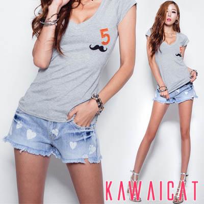 パンツ通販〜KawaiCatブランドの【50%OFF】【pt9330】 裾が広くなったデザインで美脚効果が期待できるハートプリントデニムショートパンツ