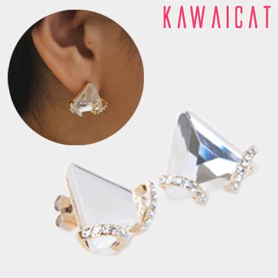 イヤリング通販〜KawaiCatブランドの【50%OFF】【ea9724】 三角形のすっきりしたシルエットが素敵なトライアングルラインストーンピアス