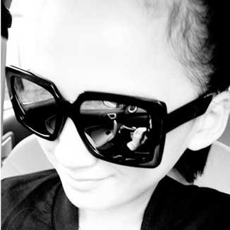 サイドデザインブラックサングラス【レディース】【可愛い】【かわいい】【グラサン】